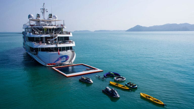 towing toys Mooring Yachts